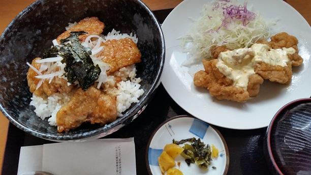 """""""豚ロースステーキ丼&チキン南蛮定食¥950"""